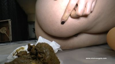 29302 - MISTRESS GAIA - WHILE FEELING THE SMELL, LICK!