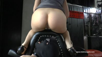 33860 - MISTRESS GAIA - SHIT AND PISS FROM TOP
