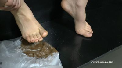 34442 - MISTRESS GAIA - SOFT IMPRINT OF HER FOOT