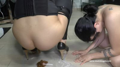 34944 - MISTRESS GAIA - FLAVORED LOLLIPOP FOR THE BITCH