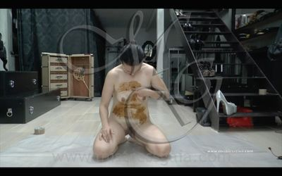 38732 - MISTRESS GAIA - SPREAD SHIT WHIPPING