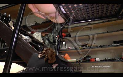 48053 - MISTRESS GAIA - UNDER THE DESK