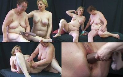 43300 - Two fat sluts and one dildo