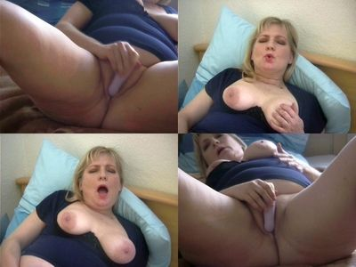 35699 - Two orgasm with dildo