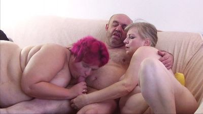 76978 - Friend waxed to orgasm