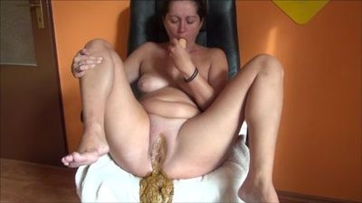 24000 - piss, shit and masturbation with dildo