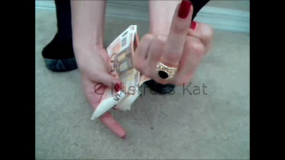 31520 - POV Cash&Go with a foot slave