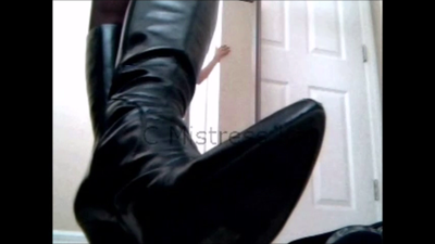 54100 - Leather boots Torture POV