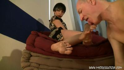 28744 - Dirty feet & Piss