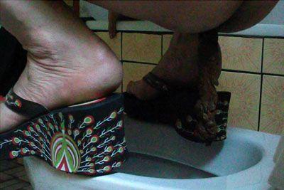 29132 - Toilett Sklave 2