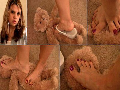 1646 - Crushed Under Her Dirty Flip Flops