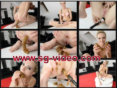 35975 - Scat Dildo Melania - Biggest Scat Ever - Cinema Line