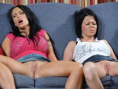 1465 - Jenna Presley and Loni Evans - Who is your master?