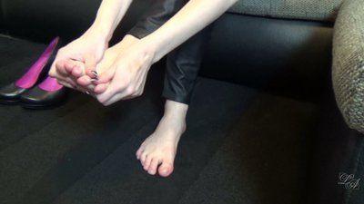 43099 - Foot Worship