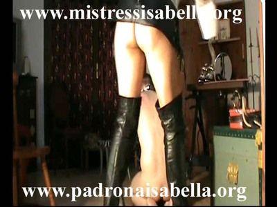 34833 - Mistress Isabella and new slave Zebra