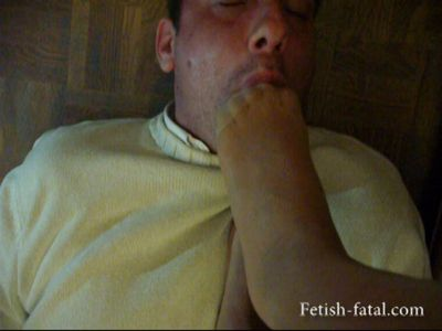 48792 - Domination is licked by her slave's feet
