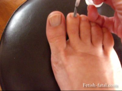 49956 - It puts the polish on her beautiful sexy feet !!!