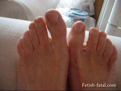 50100 - The beautiful Miss Natalia feet !!!