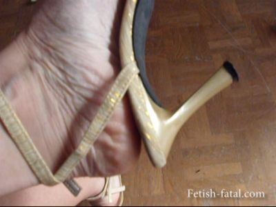 50262 - Trying on shoes with beautiful feet: shoes, repettos