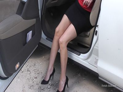 50311 - Pedal pumping in Miami with the best legs in the world Nissan Murano 4x4 !!!