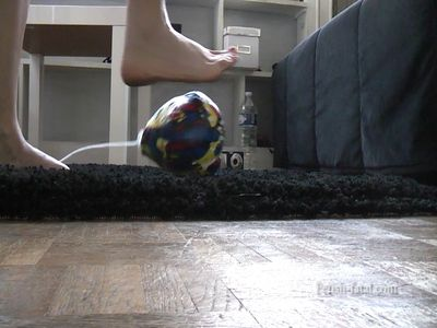 51475 - Claire crushes a ball with each others' beautiful bare feet .... and it explodes !!!!!