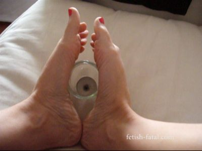 52079 - The most beautiful feet in the world who get different things sensually!!....
