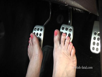 55167 - PEDAL PUMPING in sexy heels and barefoot .... SEXY!!
