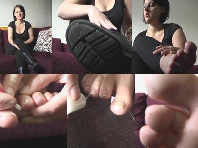 52166 - Heavy Boots, Naked Feet And Toenail Polish / Video#2