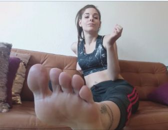 128340 - Lick my sweaty feet SHITFACE !