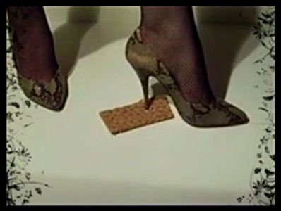 64979 - Snakeskin High Heels crushed crispbread (No. 1)
