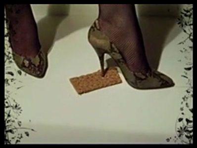 64979 - Snakeskin High Heels crushed crispbread (No. 1)
