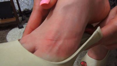 73575 - Very Sore Feet after 8 hours on High Heels!