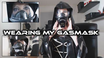 89700 - Wearing my Gasmask
