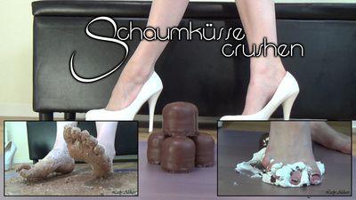 90921 - Crushing Chocolate Marshmellows