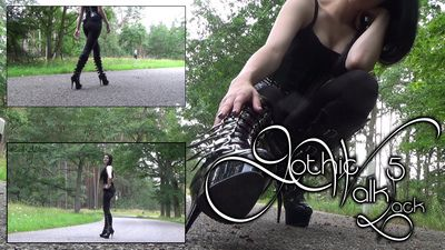 93051 - Gothic Walk 5