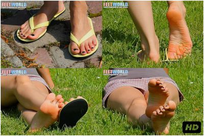 74185 - FLIP FLOP FEET OF JOANNA