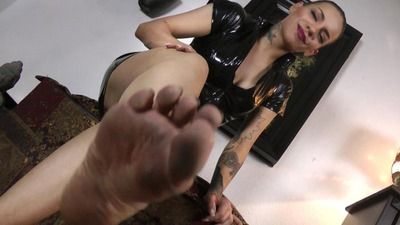 74358 - Lick my dirty feet - Instruction clip