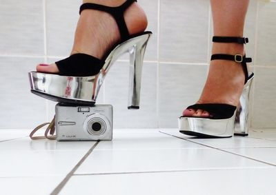 78803 - Camera Crushing with sexy High Heels