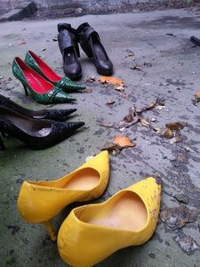 78813 - Fruit and Vegetable Crushing with high heels