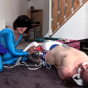 109440 - Sperm robbing Lycra Alien - Your DNA is mine!