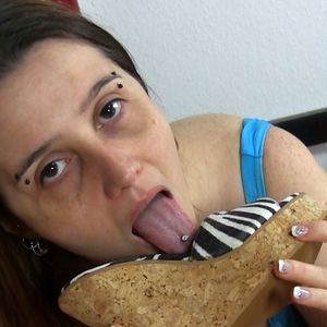 109395 - I lick your cum from my buffalo wedge mules