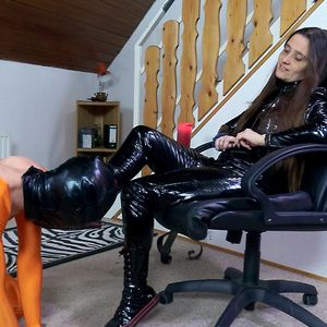 109619 - My slave gets to lick my pvc boots