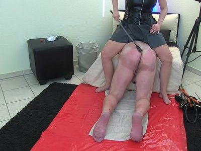 122999 - Session with slave Michael - part 1 of 4 - wmv