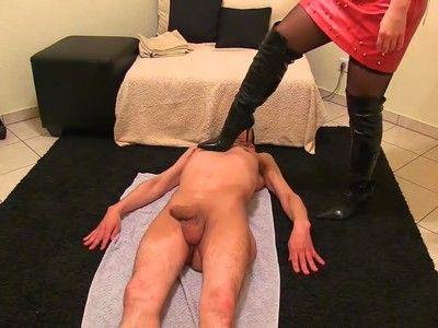 129340 - 1 Mistress, 1 Dom and 1 idiosyncratic slave - wmv