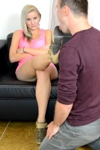 88578 - Angry girlfriend foot humiliation