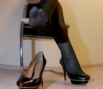 102496 - Office Lady shoes and Foot Worship