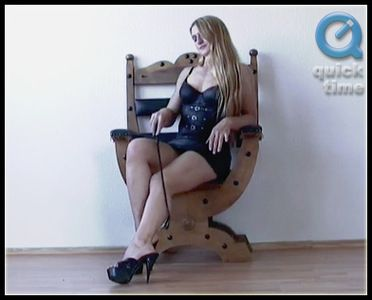 30207 - Katharina - Harsh Footslave Training