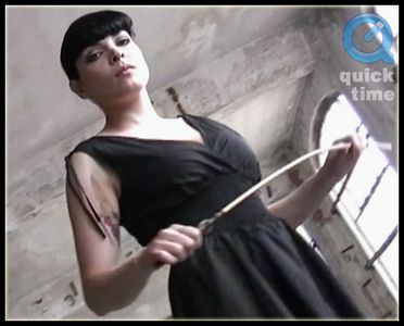 3907 - Carmen - Cane Mistress in the Hall