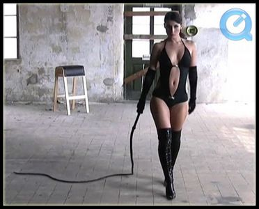 4980 - Swetlana - Long Bullwhip Training