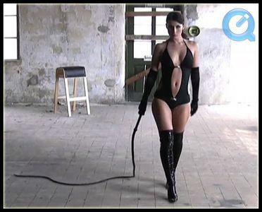 4980 - Swetlana - Long Bullwhip Training